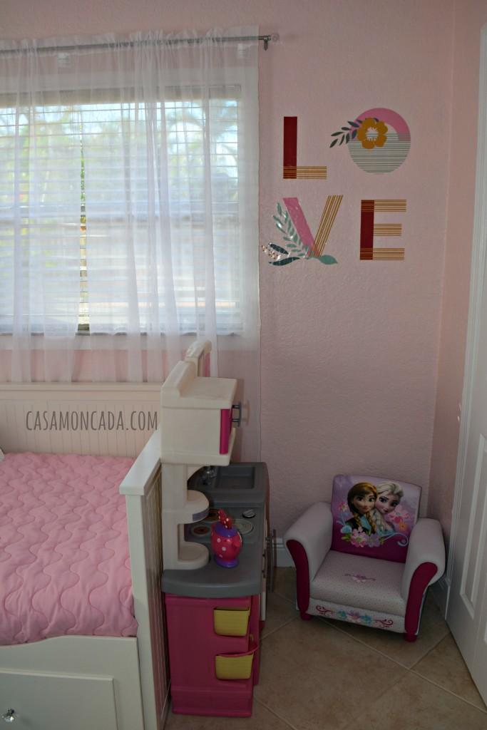 Pink and mermaid girls room