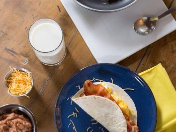 BreakfastBaconTaco_Overhead