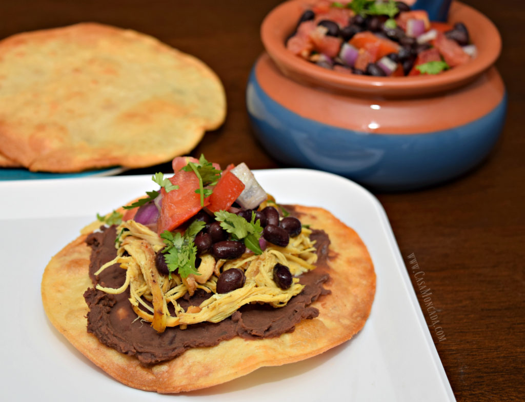 Tostadas with chicken and Black Bean salsa