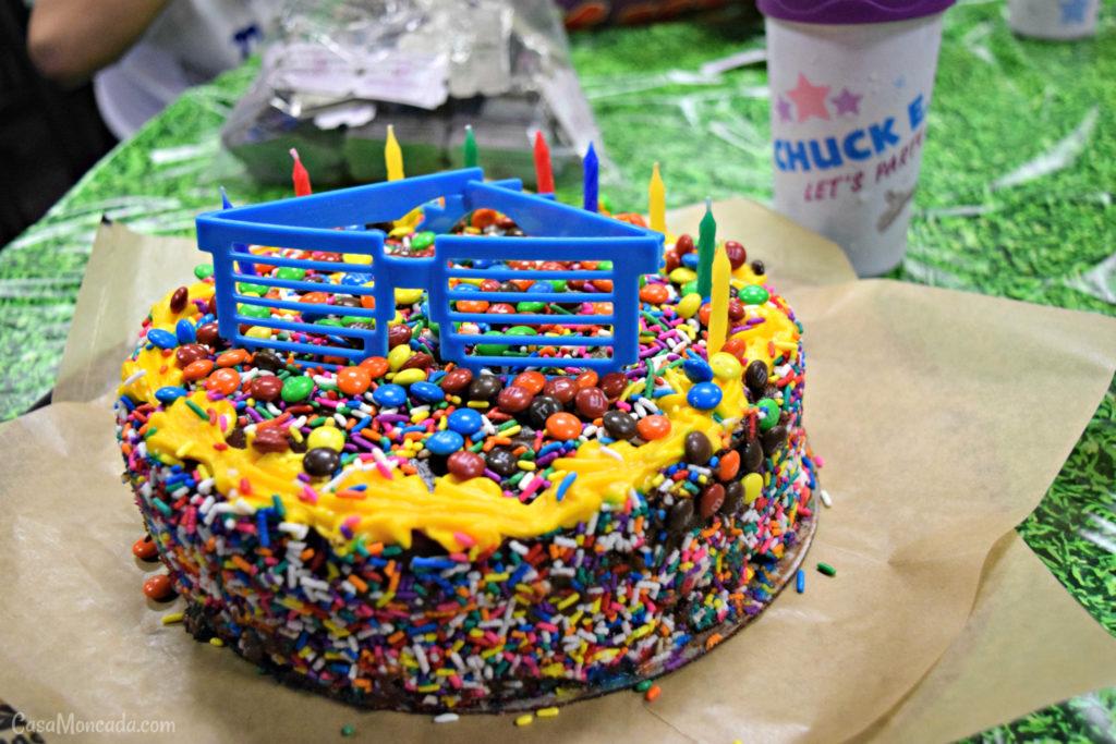 chuck e. cheese's cake