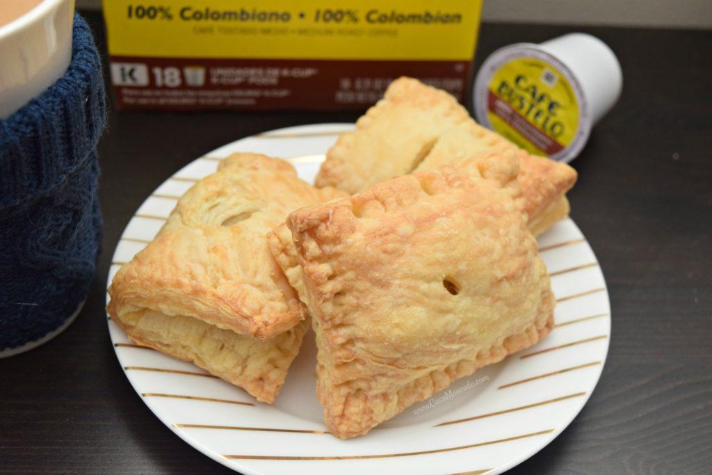 4 ingredient guayaba y queso pastelitos