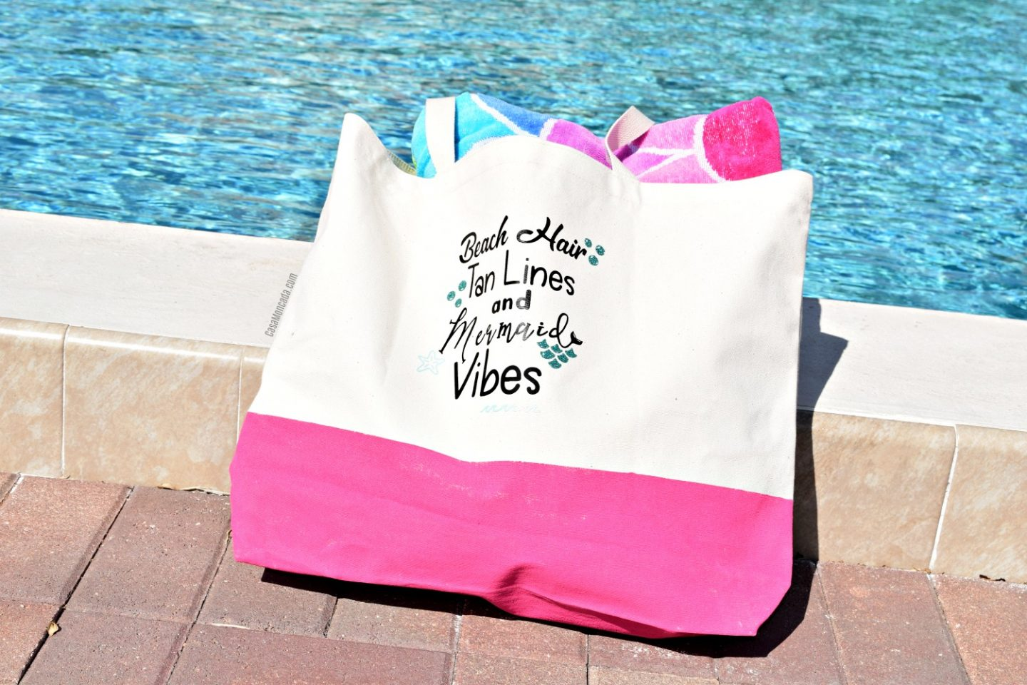Painted summer beach bag using Silhouette Cameo