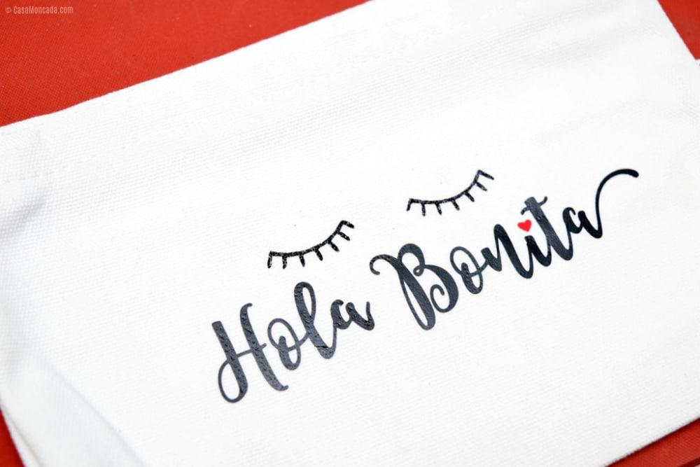 DIY Hola Bonita Zippered Makeup Up Bag